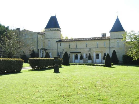 Chateau near St Emilion for sale