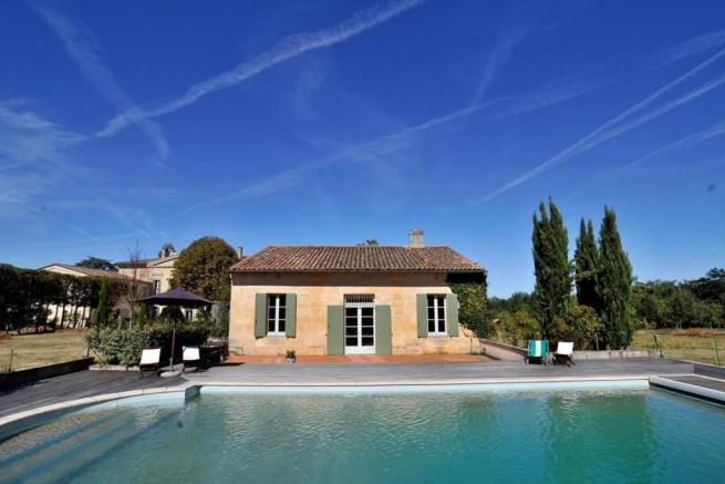 Chateau near St Emilion-  pool