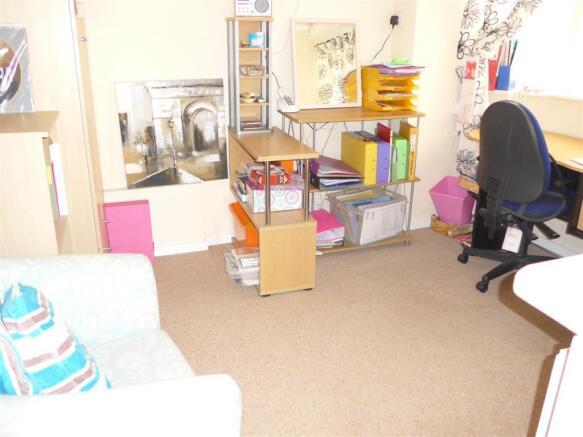 Bedroom 4 /Office