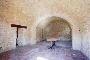 Vaulted cellars