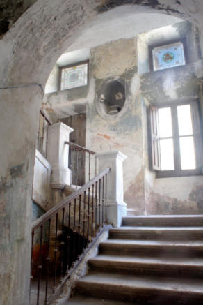 4. Grand Staircase