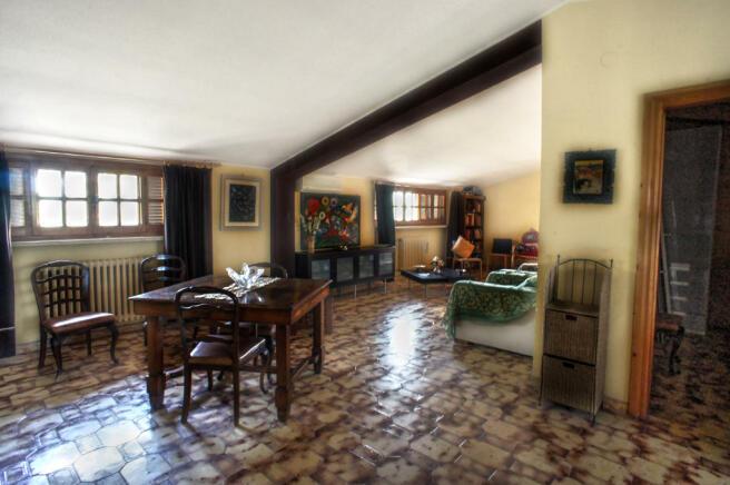 Topfloor living area