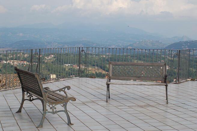 Terrace with vista