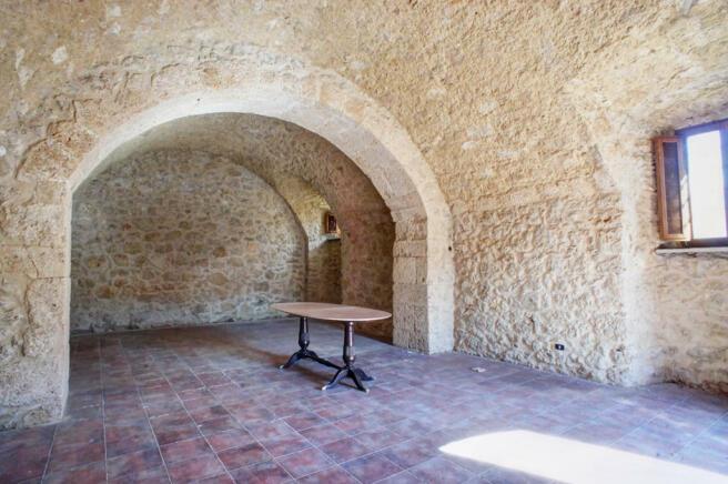 Vaulted stone cellar