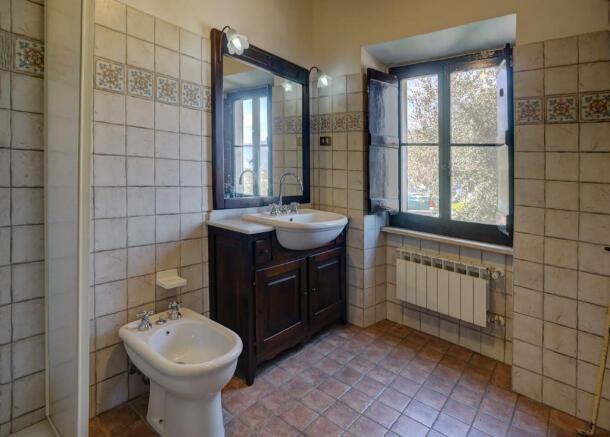 Bathroom level 5