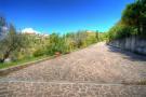 Curving driveway