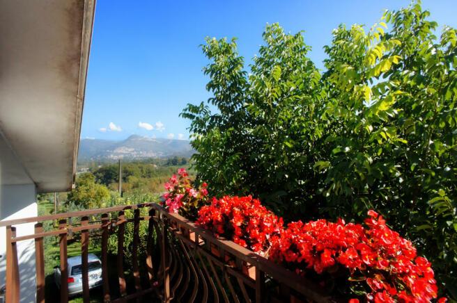View upper balcony