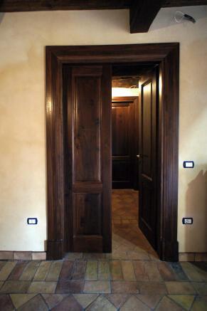 Doors to sittingroom
