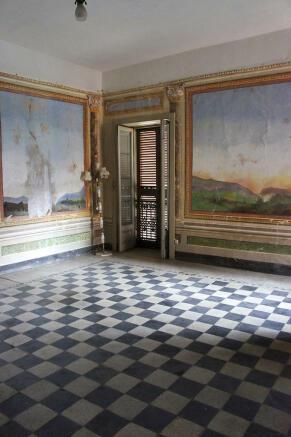 Salon - view 2