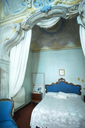 10b. Master bedroom