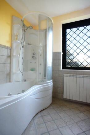 16. Bathroom