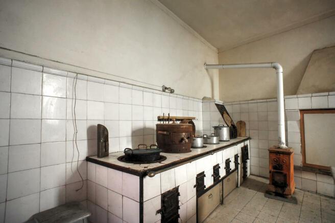 Antique kitchem