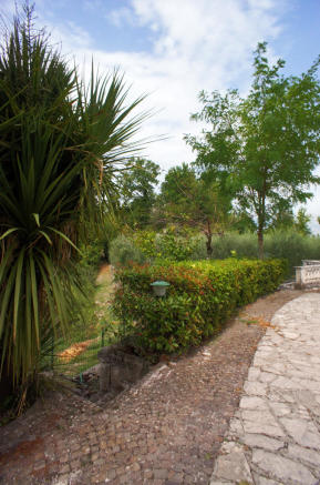 34 Gardens