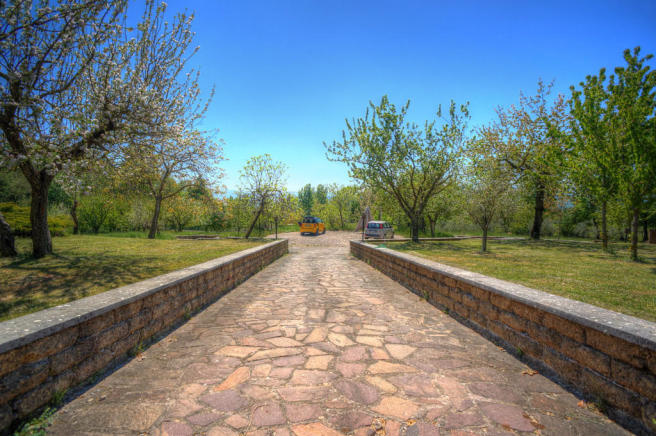 Driveway to aia