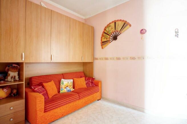 2nd bedroom/study