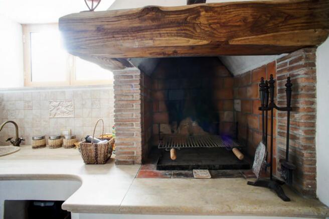 Lowerlevel fireplace