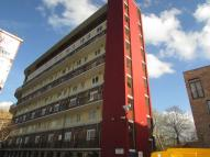 4 bedroom Flat in Canterbury Court...