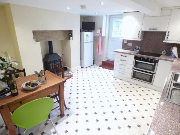Large Kitchen/...