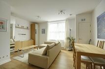 Apartment in Glenhurst Road...