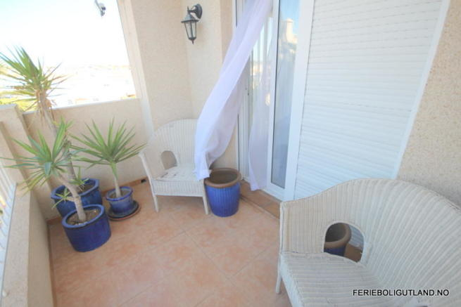 balcony-bedroom