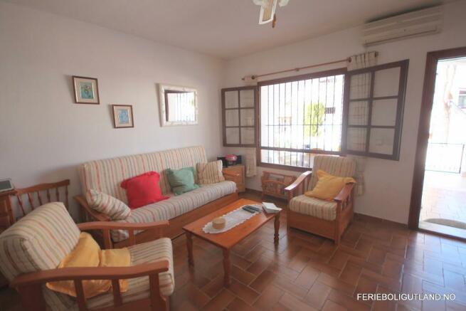 Living Area (3)