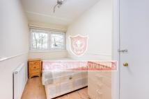 3 bed Flat to rent in Pauntley Street, London...