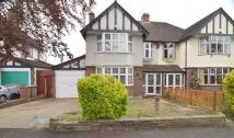 4 bedroom semi detached house to rent in Kingsmead Avenue...