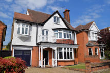5 bed Detached property to rent in Burnham Road...