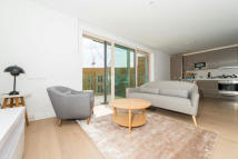 Studio apartment to rent in Trafalgar Place...