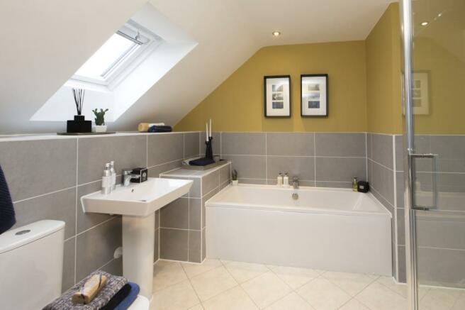 Buckingham Top Floor Bathroom