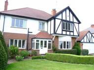4 bedroom home in Beverley Road, Kirkella