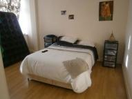 Flat to rent in Henley Road, Ilford
