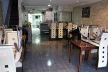 Restaurant in High Street North for sale