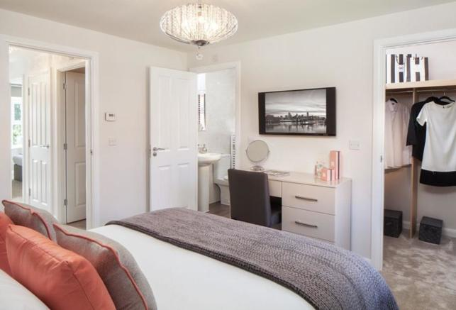 Oakfield master with ensuite