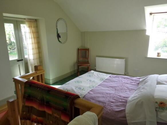 Guest bed w/en suite