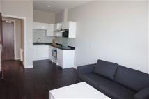 1 bed Flat to rent in Axis House, Bath Rd...