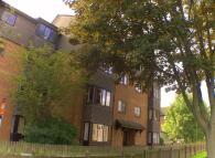 Studio flat to rent in Jasmine Grove, London...