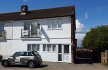 2 bedroom Ground Maisonette for sale in Water End Road...