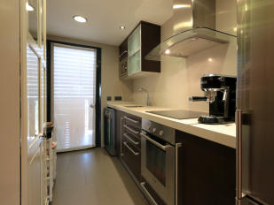 Modern and fully fitted Kitchen