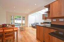 Flat to rent in Lavender Sweep, London...