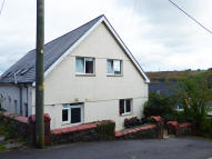 3 bed semi detached house in Abercynon, Aberpennar...