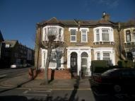Flat to rent in Vaughan Road, Stratford