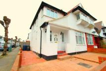 4 bed Terraced property in Temple Gardens