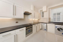 3 bedroom Apartment in Coleherne Court...