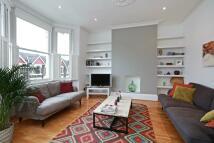 3 bedroom Maisonette to rent in Creighton Road...