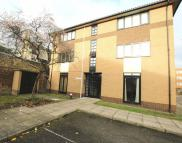 Flat to rent in Barchester Close, Hanwell