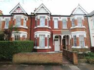 4 bed house in Cumberland Road, Hanwell
