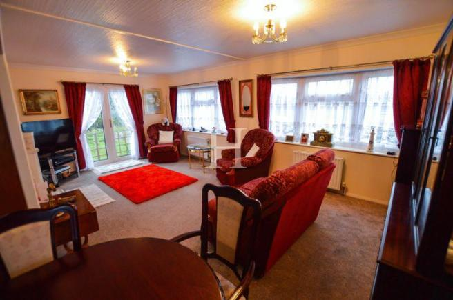 2 Bedroom Park Home For Sale In Halcyon Pooles Lane