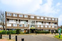 Flat to rent in Barringer Square, London...
