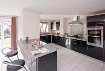 Terraced property to rent in Oldridge Road, London...